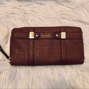 Nicole Miller Beautiful Rich Brown Wallet